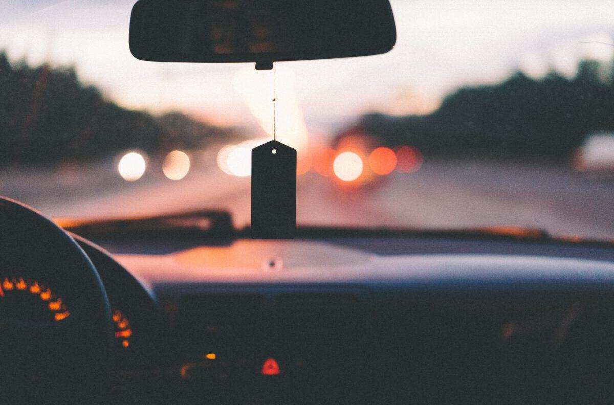 Thuisbreng chauffeur